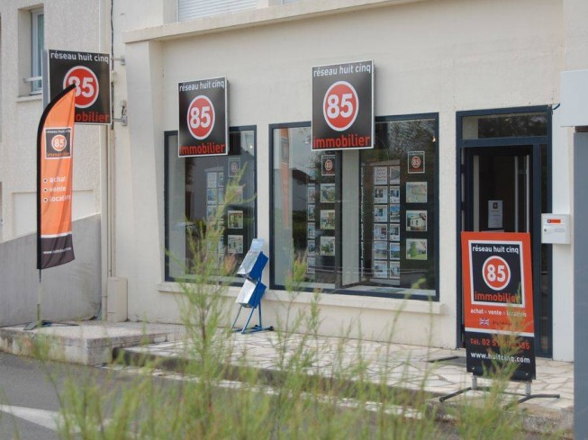 AGENCE HUIT CINQ IMMOBILIER